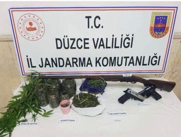 Düzce'de Jandarma uyuşturucu satıcılarına göz açtırmıyor