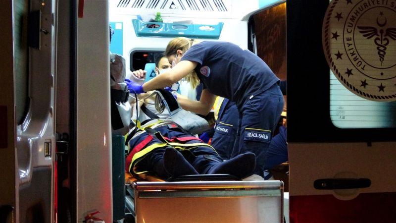 Hatalı sollama da ölümden döndü..Tır ile otomobil kafa kafaya çarpıştı: 4 yaralı