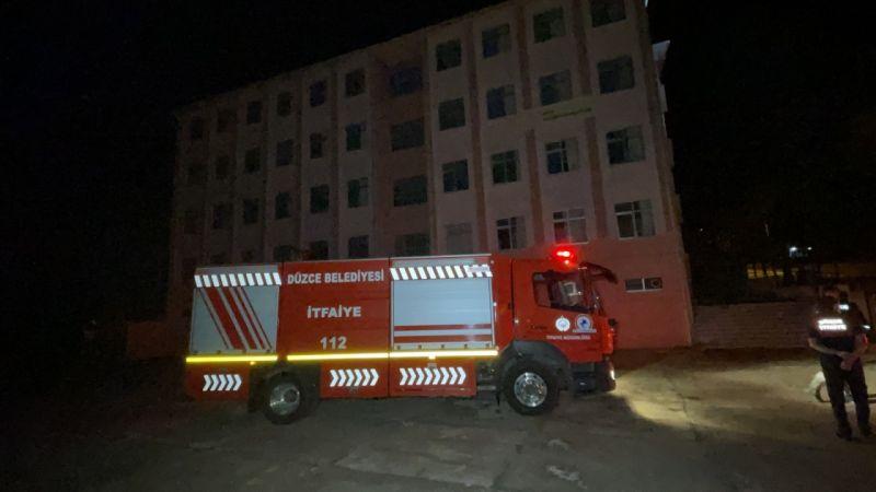 Okul yangın var ihbarı itfaiye ve polisi harekete geçirdi