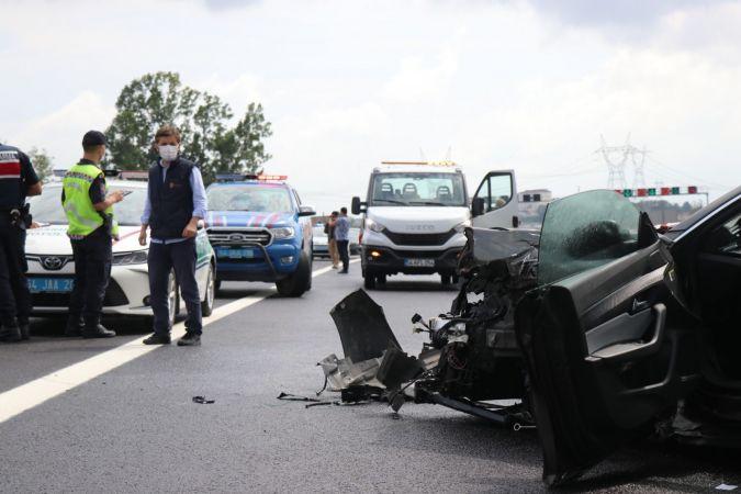 Kuzey Marmara Otoyolunda 3 araçlı zincirleme kaza: 2 yaralı