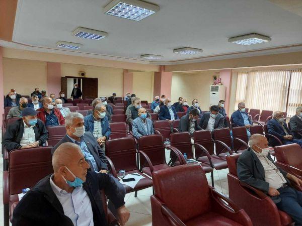 Mısır hasadında dane kaybının önüne geçebilmek için toplandılar