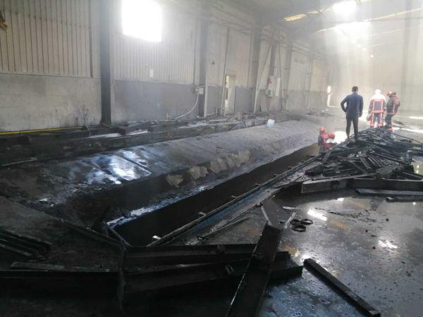 Hendek'te boş fabrikada çıkan yangın itfaiye ekiplerince söndürüldü
