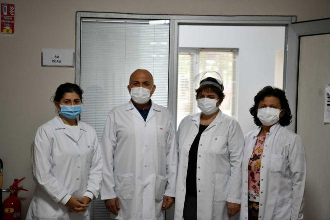 SAÜ'de aşı ve test noktası kuruldu
