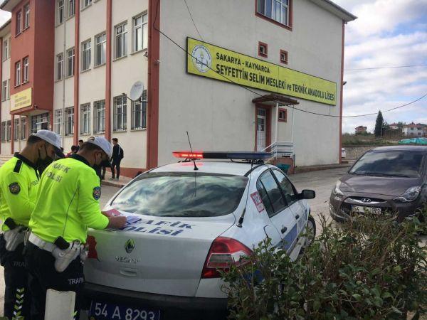 Kaynarca polisinden okul önlerinde uygulama