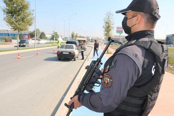 Sakarya'da 640 polis ile denetim: Karantina kurallarını ihlal etmişti, bu uygulamada yakalandı