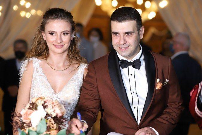 Emircan ve Beyza rüya gibi bir düğünle evlendi