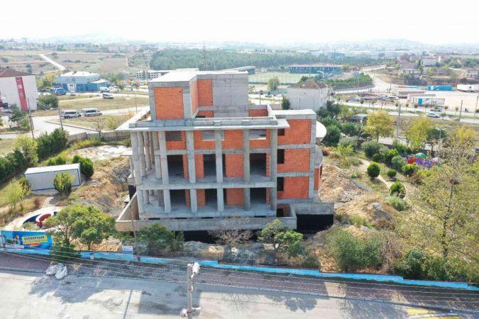 Şekerpınar Bilgi Evi ve ASM'nin kaba inşaatı tamamlandı