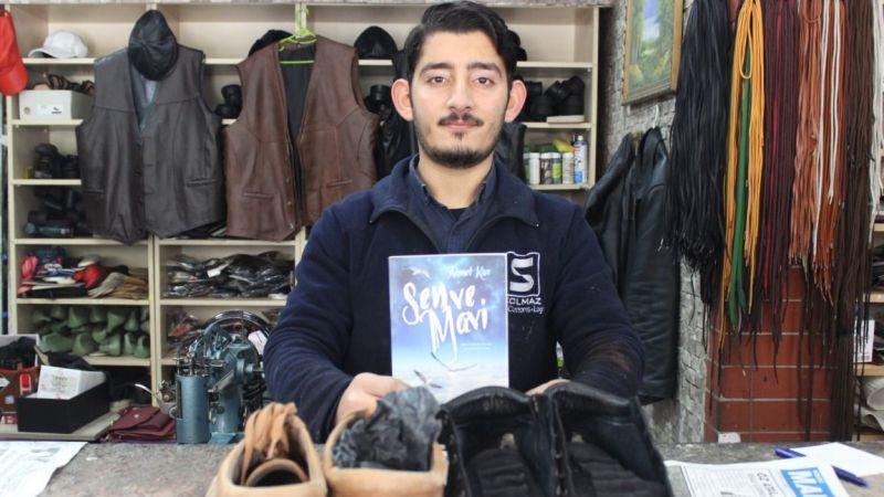 Ayakkabı tamircisi 2 şiir kitabını çıkarıyor