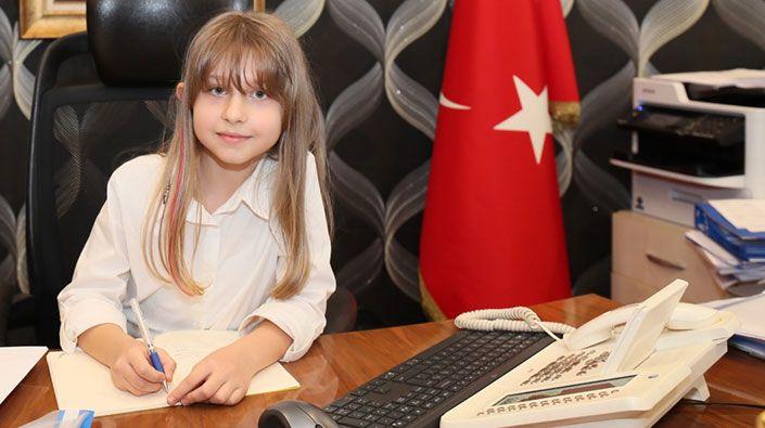 Küçük Damla, İzmit BelediyeBaşkanlığı koltuğuna oturdu
