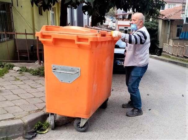 Gölcük Belediyesi temizlik işleri durmaksızın çalışıyor