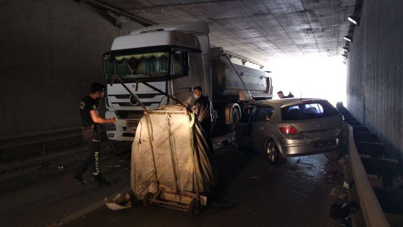 Kocaeli'de otomobilin çarptığı kağıt toplayıcısı ağır yaralandı