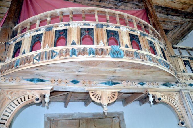 Kocaeli'nin özel camilerinden… Ahşap cami yıllara meydan okuyor!