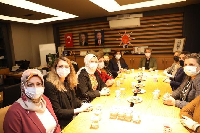 AK Parti ve MHP'li kadınlardan sıkı dayanışma