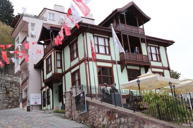 Tarihi Kentler Birliği'nden İzmit'i gururlandıran ödül!  Atatürk Evi Müzesi büyülemeye devam ediyor