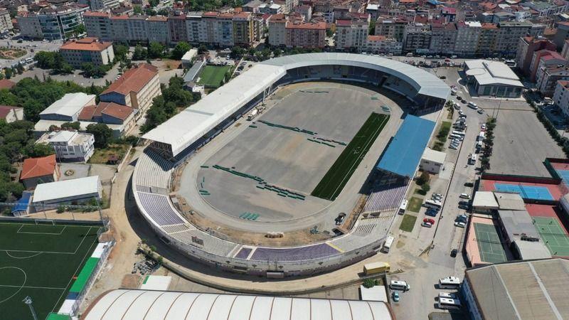 Gebze Stadı'nın halısı seriliyor