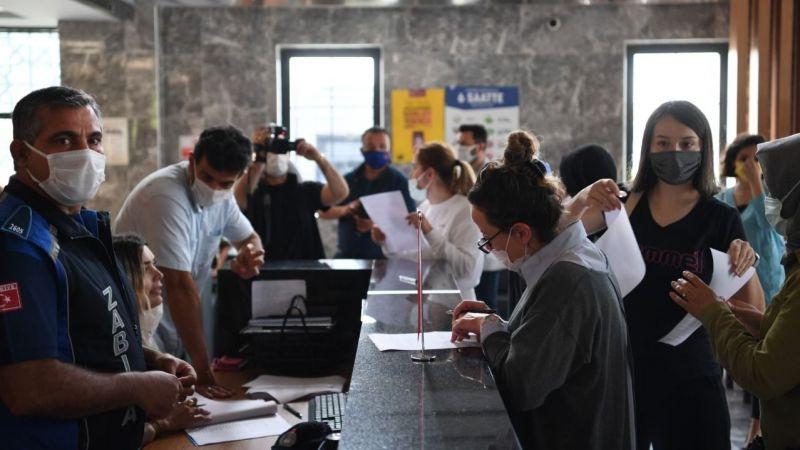 Kartepe Belediyesi'nde 300 personel aşılandı