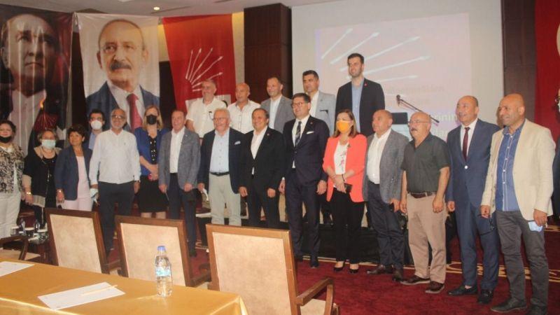 """CHP'liler """"motive"""" toplantısında buluştu… """"Büyükşehir'i alacağız"""""""