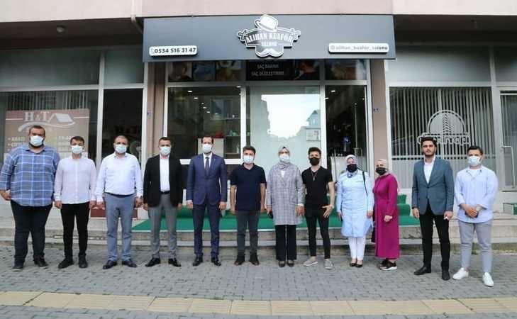 Milletvekili Katırcıoğlu, sahadan ayrılmıyor