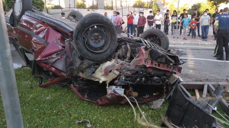 Takla atan otomobilde bulunan 4 kişi yaralandı