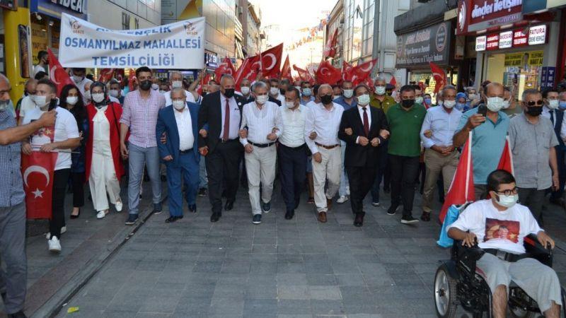 AK Parti'nin pankartlı 15 Temmuz etkinliğine Türkkan'dan tepki