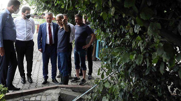 """Büyükakın, yaşanan su baskının ardından Maşukiye'de inceleme yaptı; """"Mahalle sakinlerimizin yaralarını saracağız"""""""