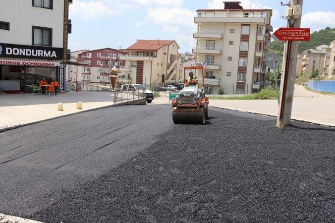 Tepeköy'de deforme olan yolları yeniliyor