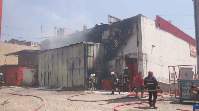 Boya fabrikasında korkutan yangın!