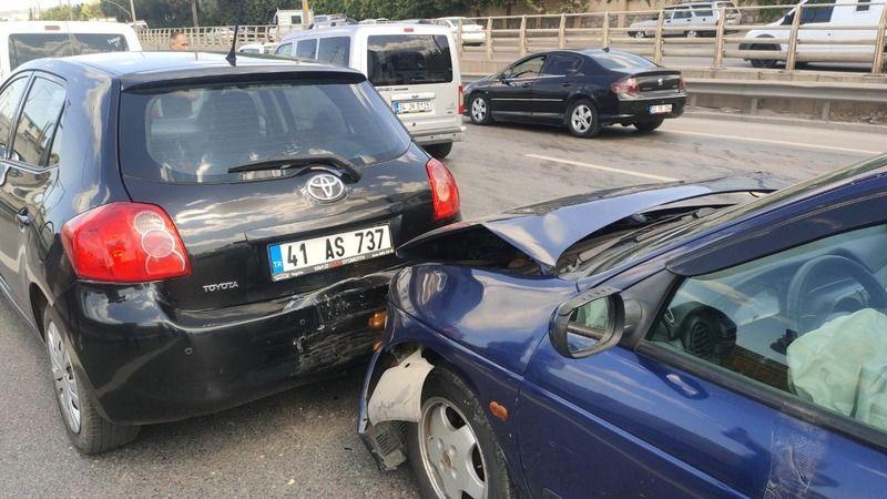 Gebze'de aynı yerde meydana gelen iki ayrı kazada 1 kişi yaralandı
