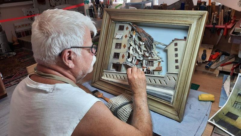 Depremin acısını tabloya taşıdı