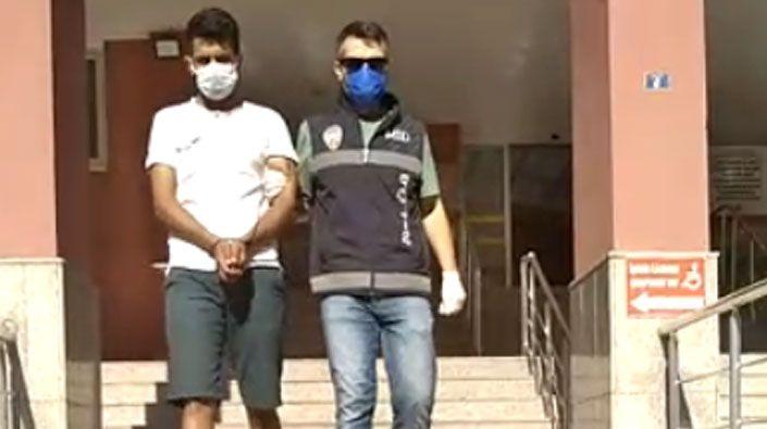 Düzensiz göçmenleri taşıyan aracın sürücüsü tutuklandı