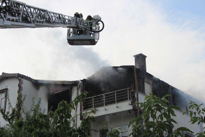 Yabancı uyruklu şahısların evi alev alev yandı