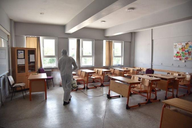 Kartepe Belediyesi'nden okullara temizlik desteği