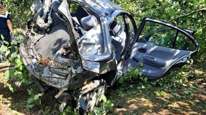 Kontrolden çıkan otomobil fındık bahçesine düştü: 1 ölü, 1 ağır yaralı