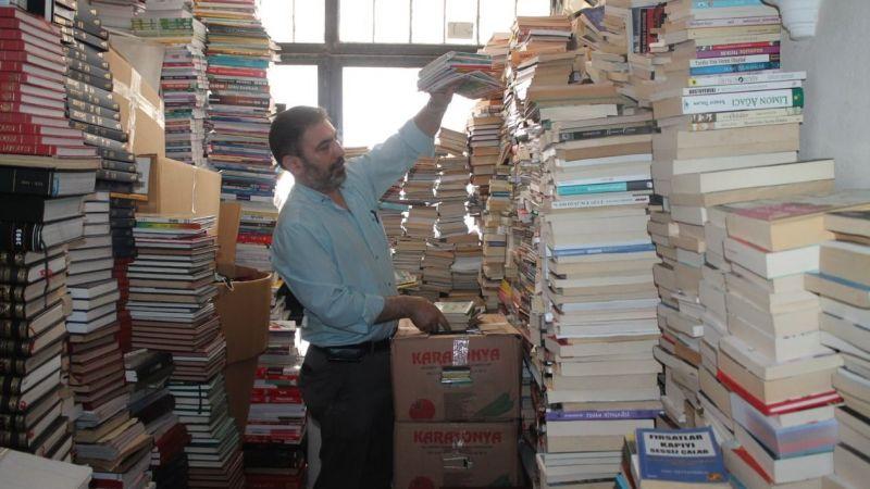 Topladığı kitaplarla rekor kırdı!