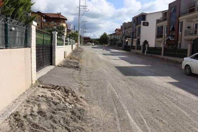 İzmit Belediyesi, Tüysüzler'deyol ve kaldırımları yeniliyor