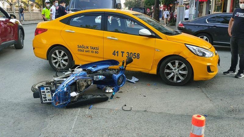 Gebze'de taksi ile motosiklet çarpıştı: 1 yaralı