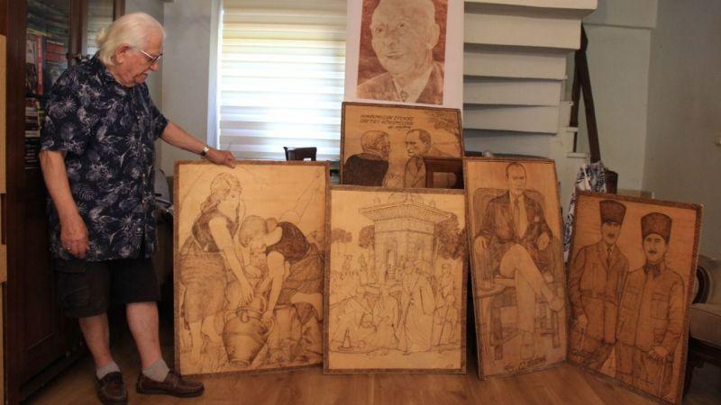 90 yaşındaki vatandaşın resim merakı görenleri şaşırtıyor… 1 buçuk milyon kağıdı yapıştırarak resim yaptı!