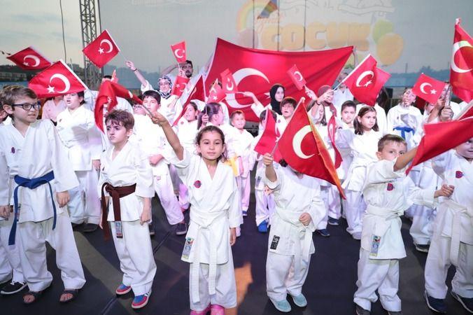 Çocuklar Zafer Bayramı'nıdoyasıya kutladı
