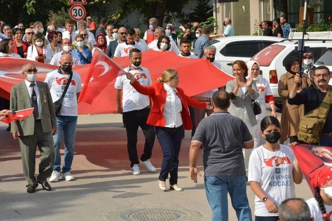 İYİ Parti, Körfez'de Zafer Bayramı'nı coşkulu ile kutladı