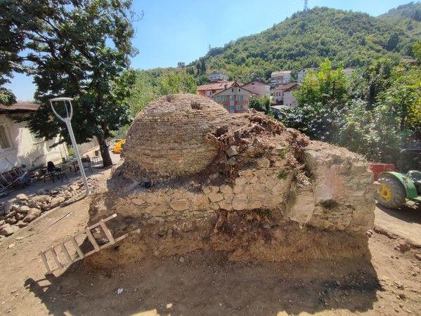 Tarihî hamamın restorasyonu başladı