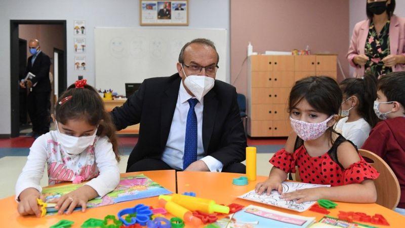 Vali Yavuz okulları gezdi, tedbirleri inceledi