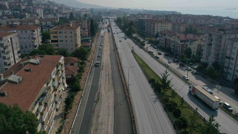 Tramvay hattı çalışmaları D100'de güzergahı değiştiriyor