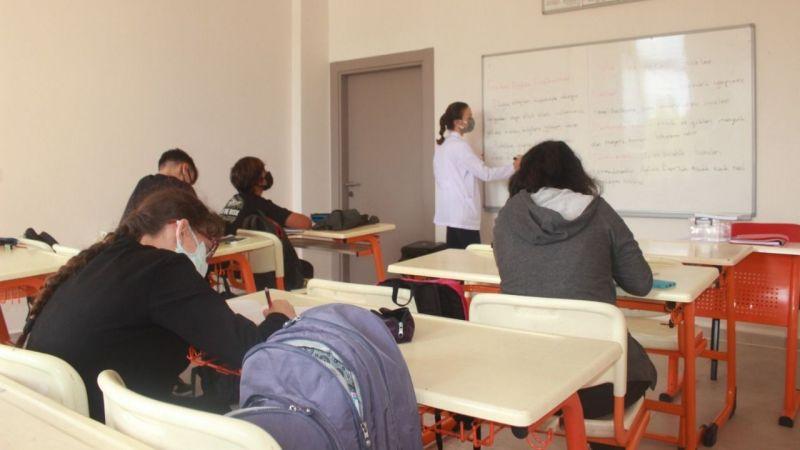 Türkiye'nin ilk Yenilenebilir Enerji Lisesi İzmit'te açıldı
