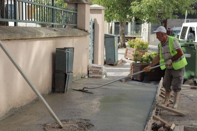 İzmit Belediyesi, İmaret Yokuşu'nda kaldırımları yeniliyor