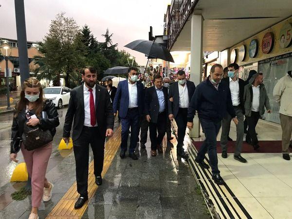 İYİ Partililer Gölcük'e çıkarma yaptı