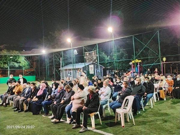 AK Parti İzmit'te tam bir gövde gösterisi: Yüzlerce partili aynı anda mahalle toplantısı yaptı