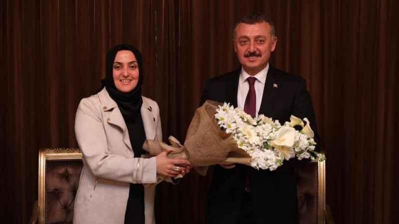 AKP'li kadınlar başkan turunda