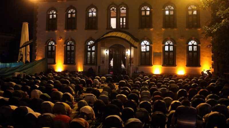 Kocaeli'de Kadir Gecesi yoğunluğu