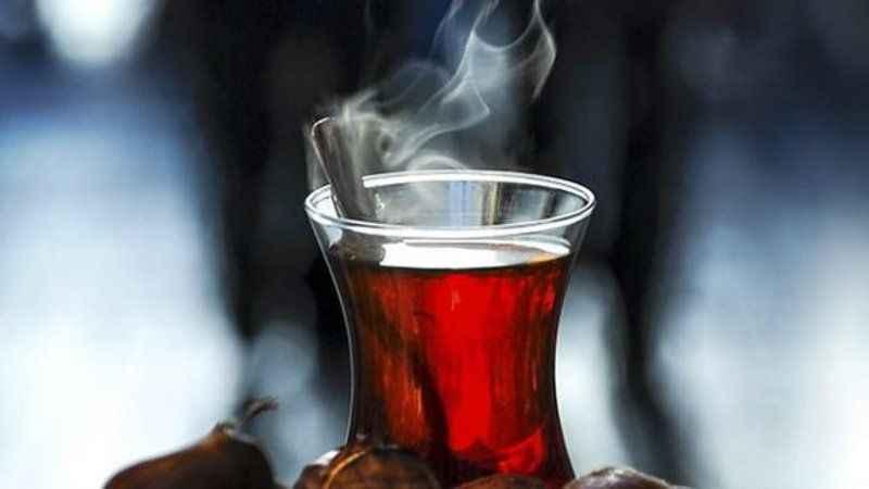 Sıcak çay içmek ömrü uzatıyor!