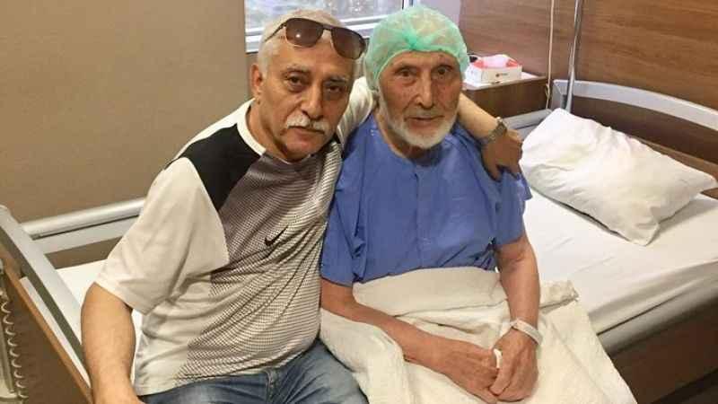 Kahyaoğlu'nun 90 yaşındaki babası koronayı yendi